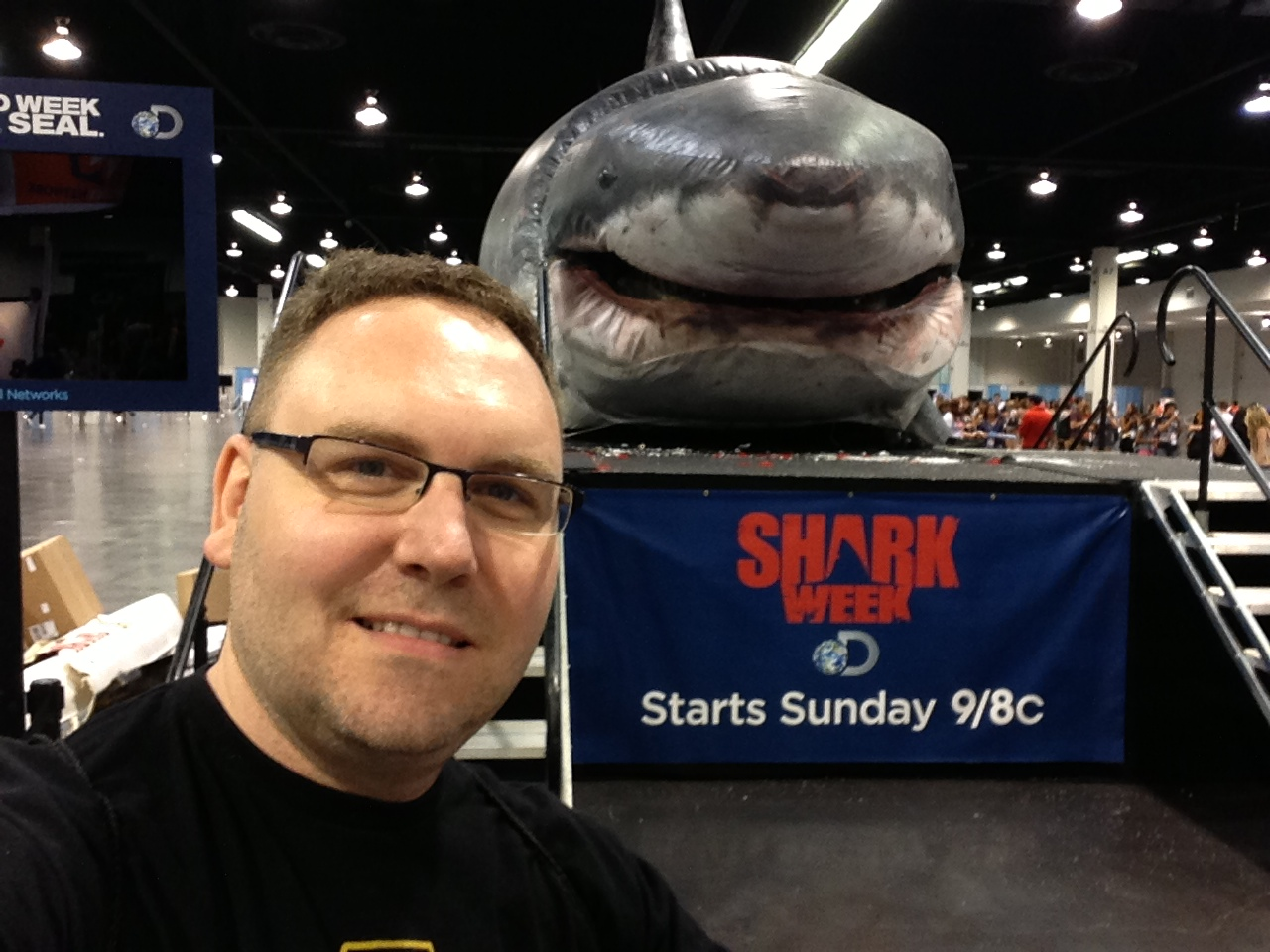 vidcon-sharkweek